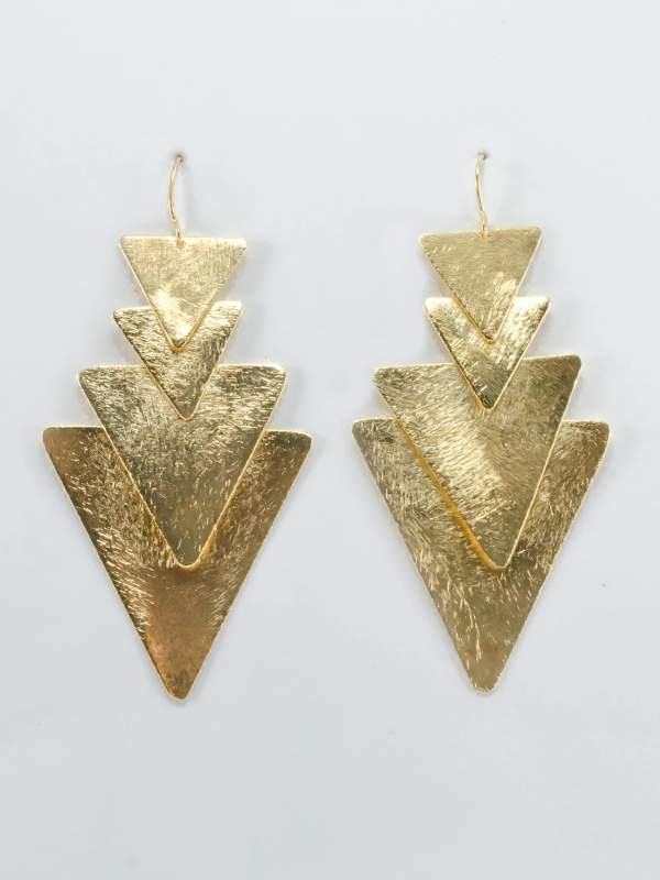 18KY Plated 4 Triangle Dangle Earrings on an element.