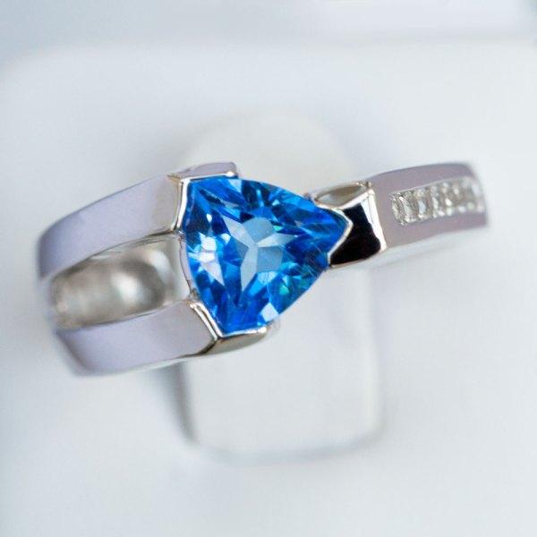 Kashmir Blue Topaz & White Sapphire Ring top view.