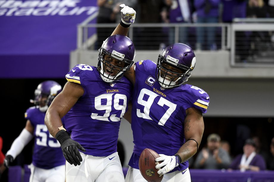 Green & Purple: Kendricks watches sons play for Super Bowl berth