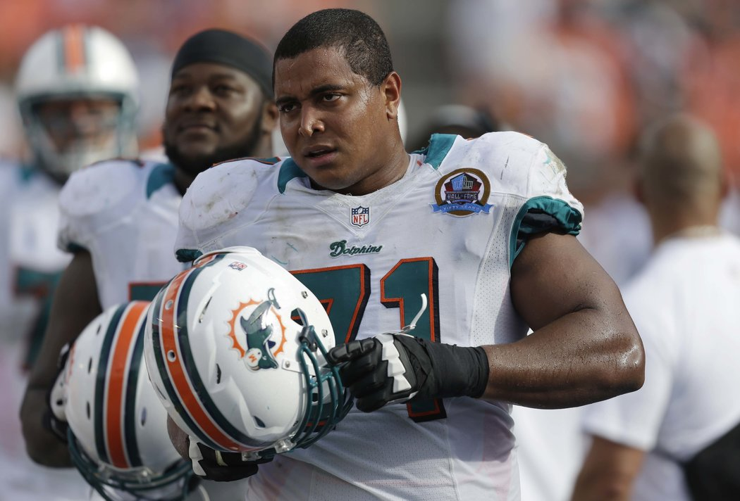 Former Dolphins OL Jonathan Martin detained by police after threatening Instagram post
