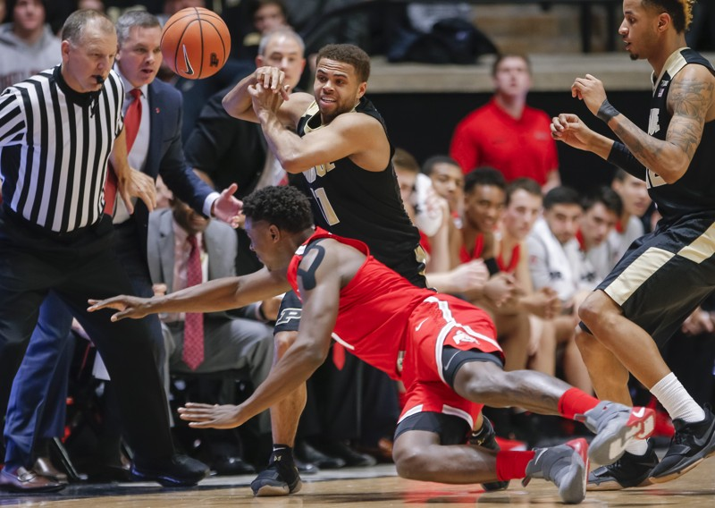 Men's hoops aims to boost Big Ten title chances against Purdue