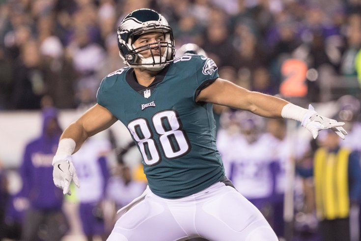 Bears expected to sign tight end Trey Burton to four-year deal