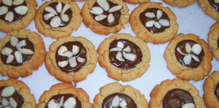Fudge and Almond Cookies
