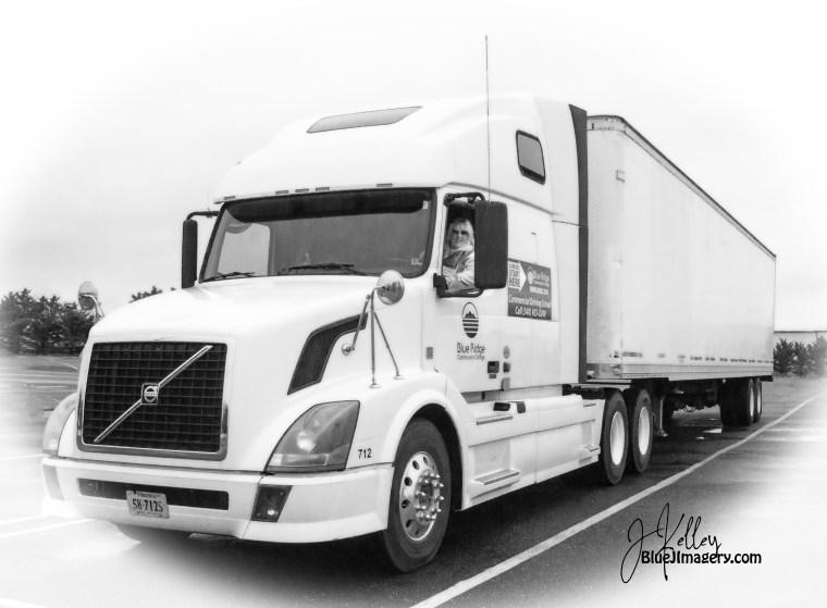 Truckin_2524