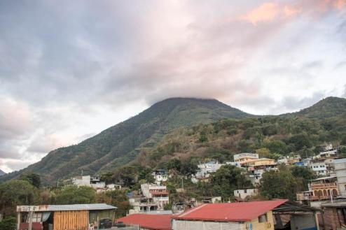 Vulkan San Pedro se dviga tik nad vasico
