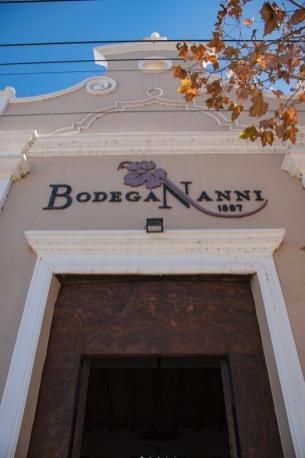 Vinske degustacije v Argentini - vhod v vinsko klet Nanni
