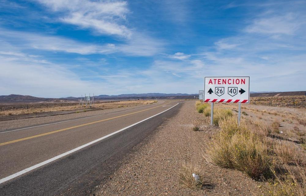 Nasveti za Argentino - najem avta - dolga ravna cesta