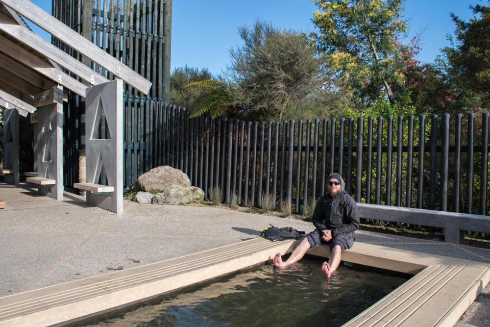 Kirau Park in Rotorua - Bojan warming up his feet