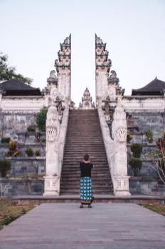 Na drugi strani slavnih vrat v Lempuyang templju