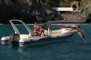 Bateau_capelli-tempest-770-luxe