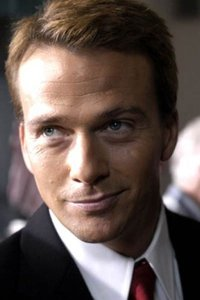 Sean Patrick Flanery as Candidate Stillson.