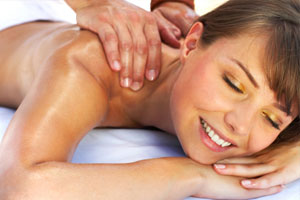 The Sevierville Bed and Breakfast Blue Mountain Mist also offers guests a relaxing massage and spa.