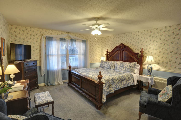 Elkmont Standard King Room