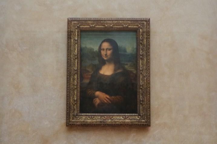 ルーブル美術館のモナリザ