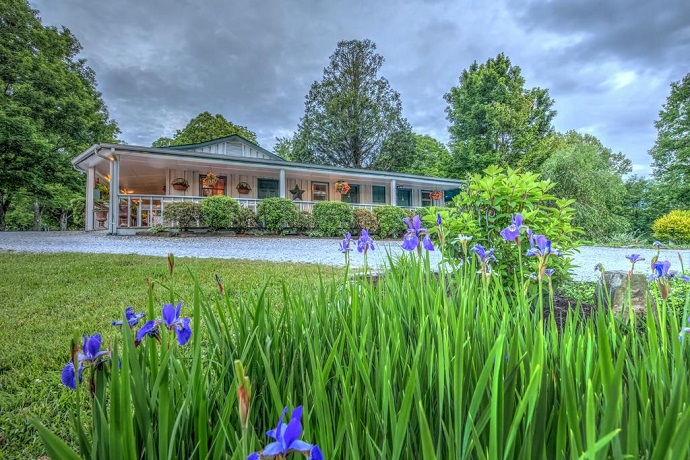 Linville Falls Lodge
