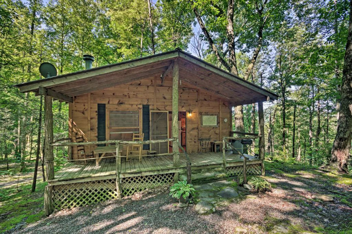 Pisgah Forest 'The Oak' Cabin w/Deck by Creek