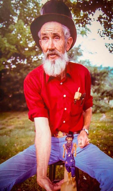 Appalachian Folk Artist at Foxfire Museum in Clayton GA