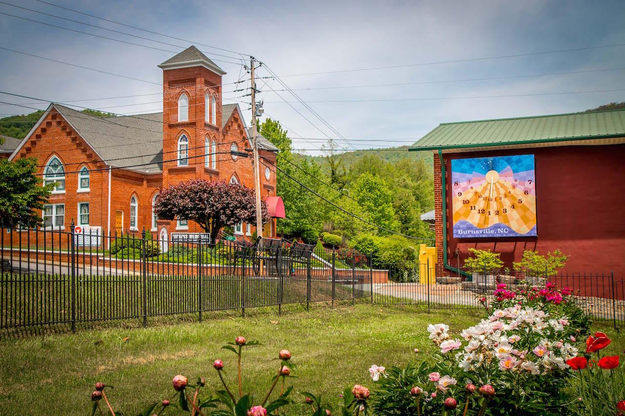 Burnsville NC Sundial Quilt & Church