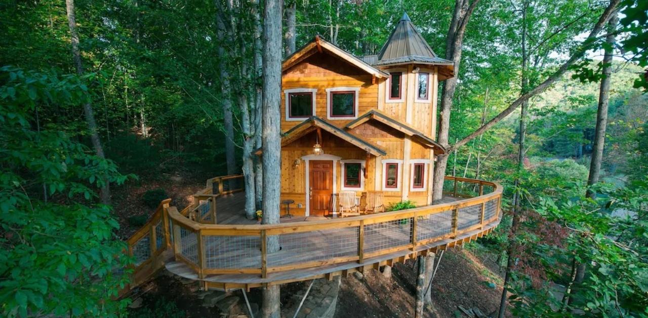 Treehouse Rentals near Asheville NC