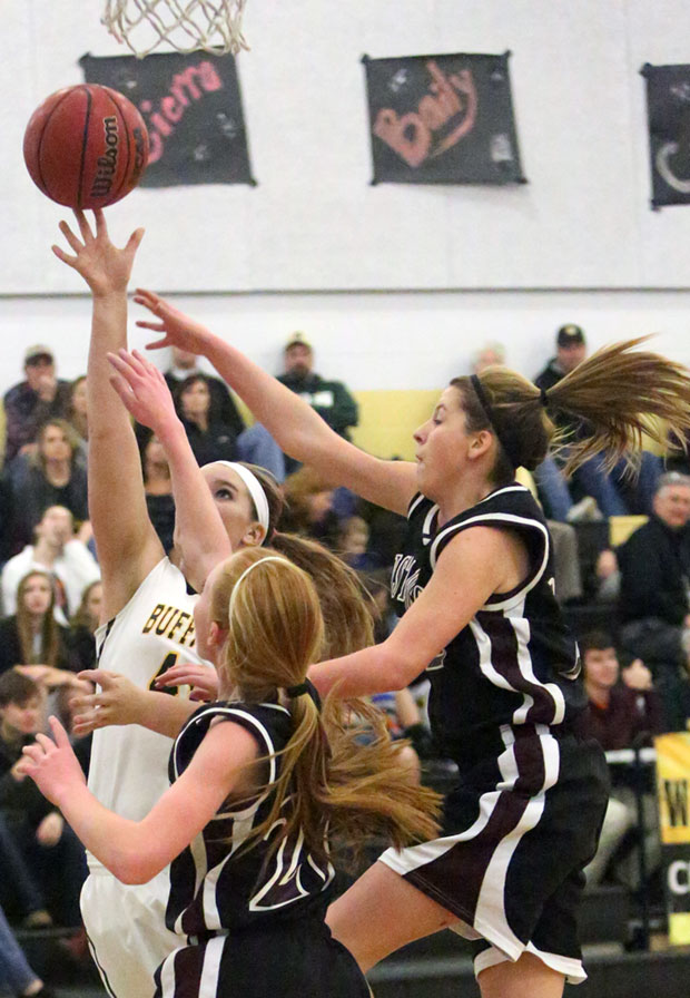 Amanda Hollandsworth goes in for a layup against EastMont.