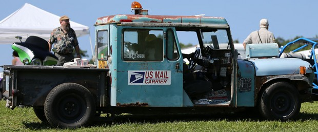 OK,, so this postal truck has seen better days