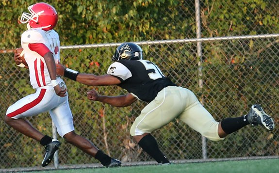 Jay Dandridge of Martinsville scores on a 30-yard run.