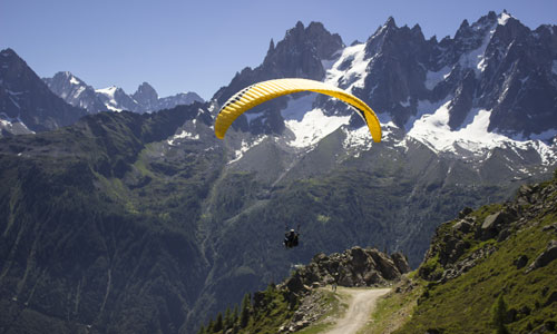 paragliding chamonix paraglider sport yoga retreat mont blanc