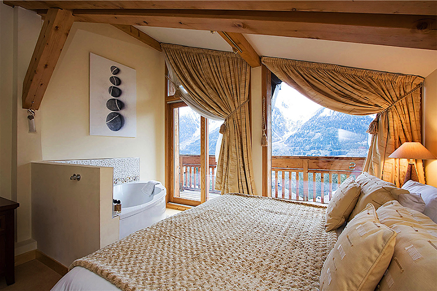 yoga retreat chamonix mont blanc chalet spa jacuzzi mountains france hiking retreats spa healthy food alps vegan vegetarian hot tub relax fitness