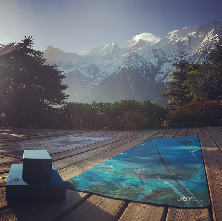francaise, retraite, bien-etre, soin, randonnee, montagnes, Europe, Yoga, Retreat, Chamonix, Mont Blanc, France, Luxury, Chalet, spa, hot tub, hiking, meditation, alps, wellness, mountain, travel, mountains, retreats, holistic, holiday, hike, walking, hikes, wellbeing, mindfulness, retreats, holiday, vacation, healthy, eating,