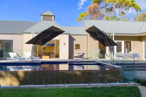 Frankford Aurora Square Cantilever, Commercial Grade - Poolside