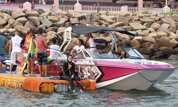 Speedboat rental – Sai Wan