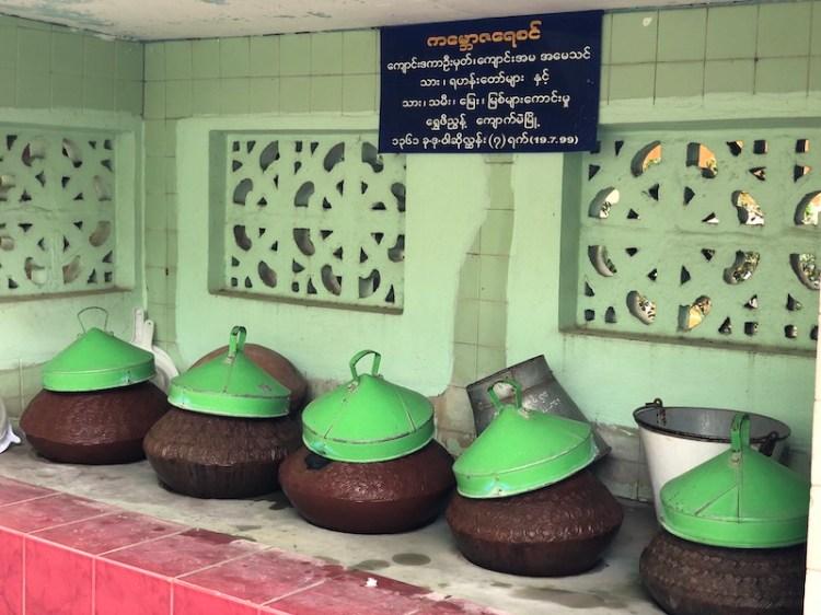 Monk's breakfast mahagandhayon monastery amarapura