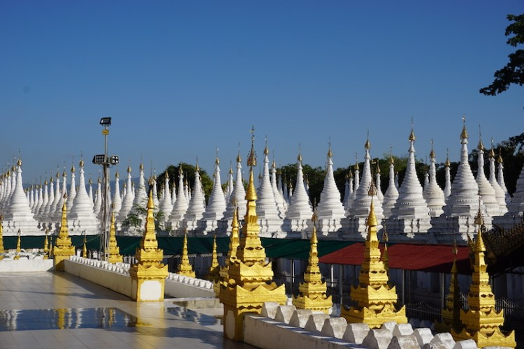 Blue Sky and Wine, Sandamuni & Kuthodaw Pagoda