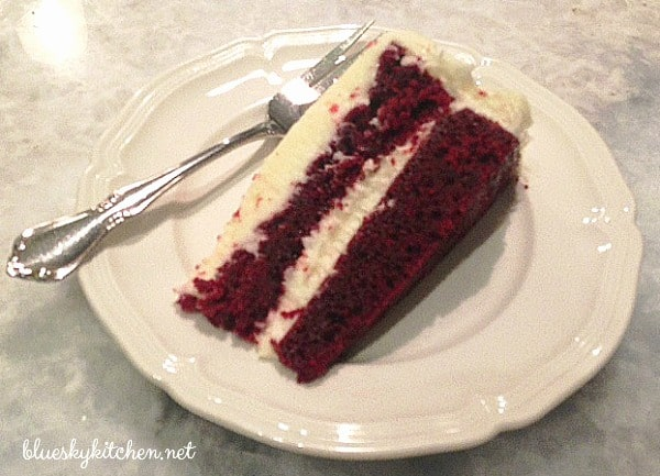 How to Make the Best Red Velvet Cake so your Valentine. This moist and rich cake is sure to impress your sweetheart and make him feel special.