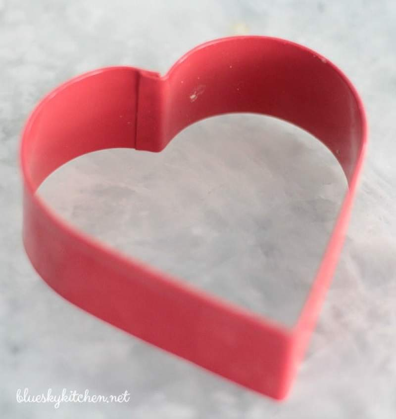 How to Make the Prettiest Little Valentine's Cookies ~ this easy recipe is a slightly sweet cookie with a bit of crispiness. A great choice for decorating.