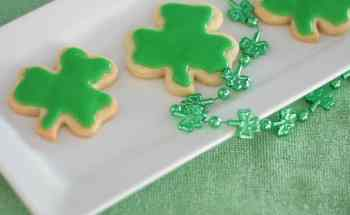 How to Make Shamrock Cookies for St. Patrick's Day