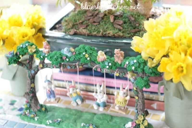 How to Decorate Your Home for Easter. I share our Easter home decorating and tablescape from 2016 before bringing out the bunnies and chicks for 2017.