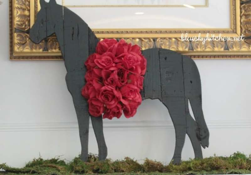 Kentucky Derby Party Preparations and a Mint Julep Recipe to celebrate the most famous horse race in the world. Final decorations and menu for inspiration.
