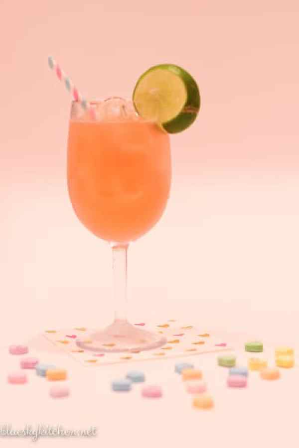 5 Delicious Cocktails to Share with Your Valentine; yummy and pretty special occasion drinks to toast the evening with your sweetheart or best girlfriends.