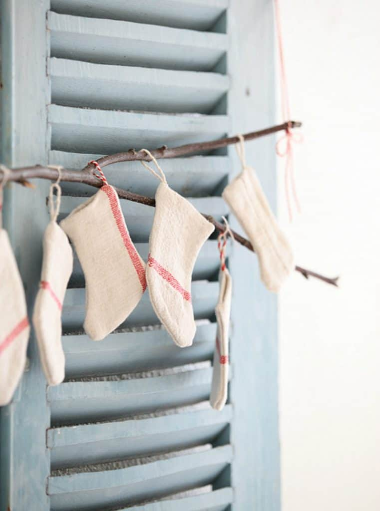 10 Fun, Easy Projects for Repurposing Dish Towels. What can you make with a dish towel? Pillows to curtains to gift wrap and art.