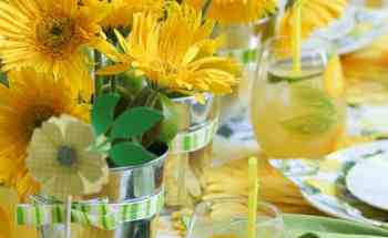 How to Make a Sunny Summer Tablescape