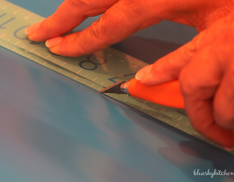 How to cut a vinyl decal