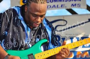 Terry Big T Williams - Burning up his Guitar!