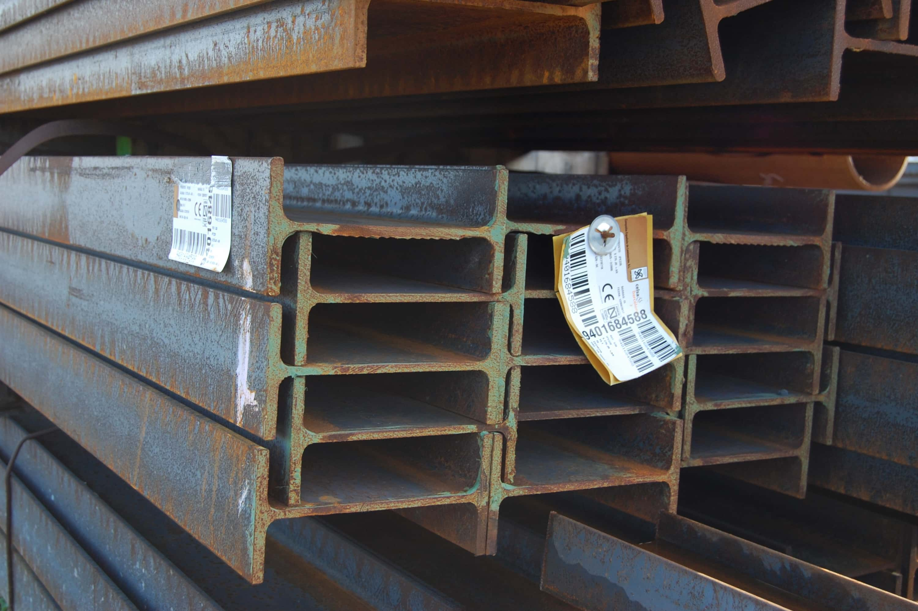 IPE steel beam