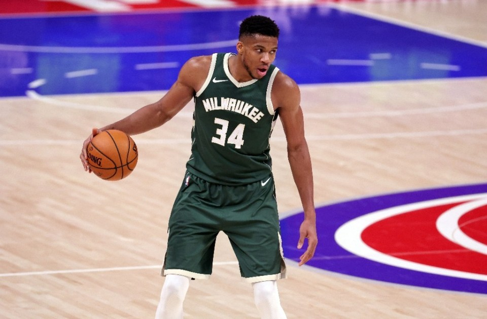 Milwaukee Bucks superstar Giannis Antetokounmpo scored a game high 31 points in his first head-to-head matchup with Dallas Mavericks rising star Luka Doncic at the Fiserv Forum arena in Wisconsin - Leon Halip / ©AFP