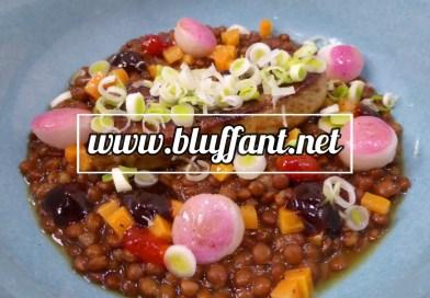 Lentejas en caldo de miso, foie y verduras, con un toque de hoisin y chili
