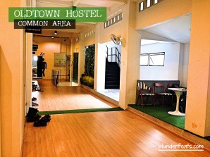 bangkok-thailand-oldtown-hostel-common-area-4