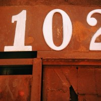 102 Numbers on the door | Blurbomat.com