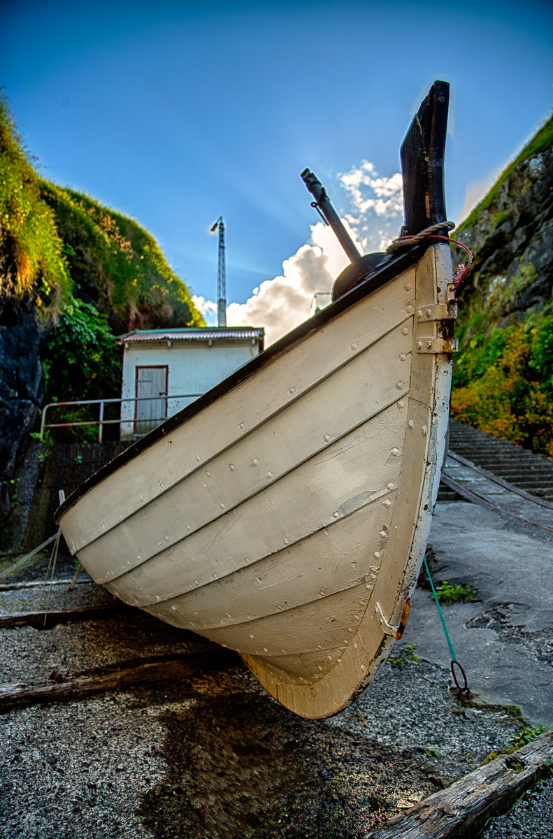 Boat at Gjógv