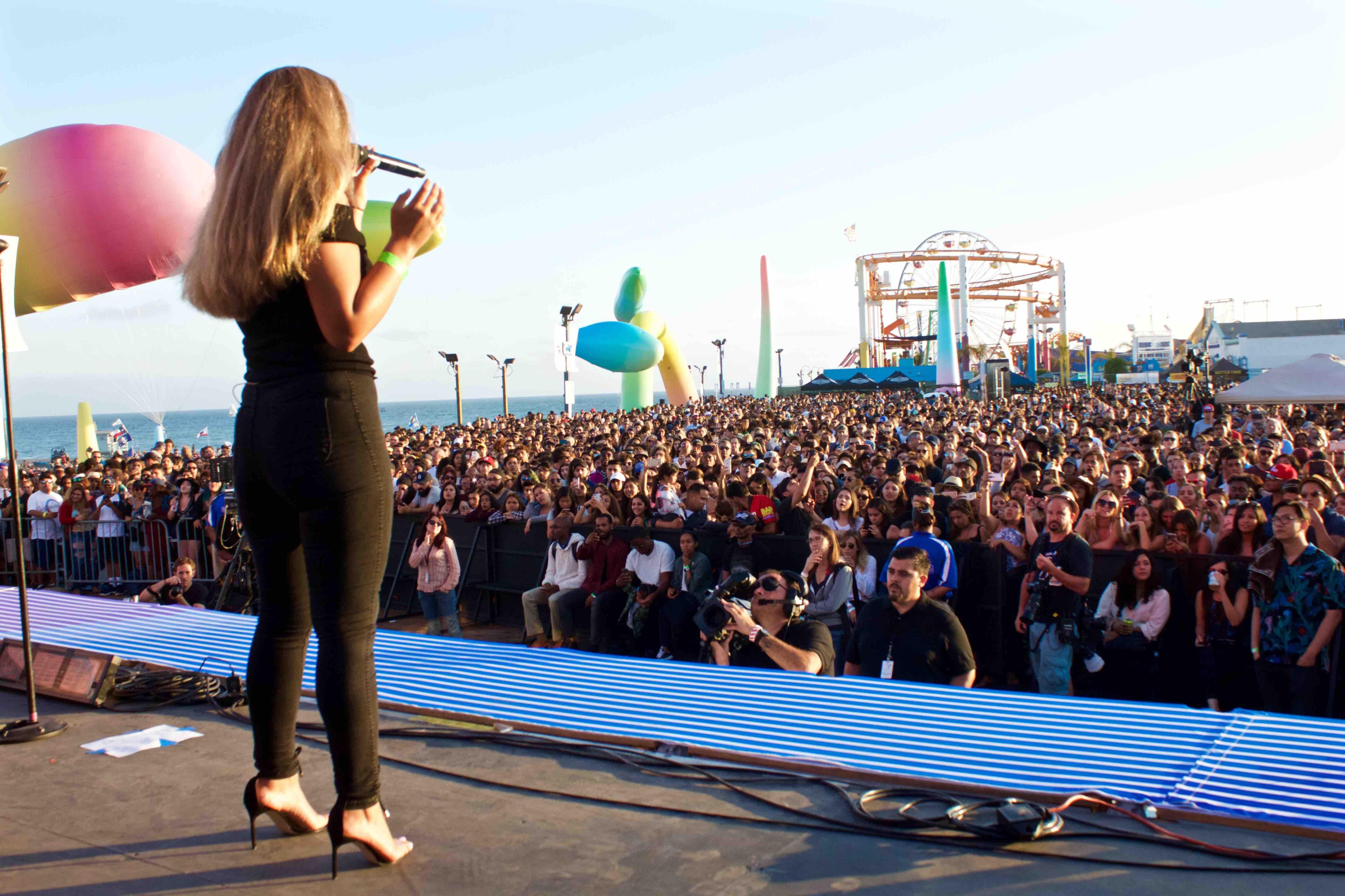 2016 Santa Monica Pier Twilight Concert Sesries. Photo by Derrick K. Lee, Esq. (@Methodman13)